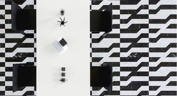 Pavimento in marmo in stile op art Industry di Scandola Marmi