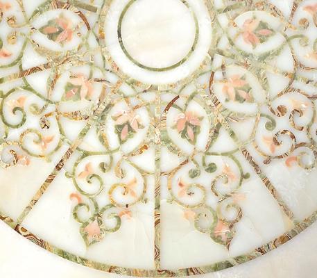 Dettaglio di un pavimento di marmo in opus sectile di Budri