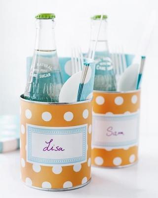 Idee riciclo creativo: set per il pic-nic con i barattoli di latta, da sweetpaulmag.com