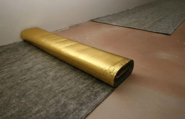Moquette adesiva per pavimenti