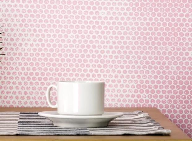 Decorazioni pareti fai da te a pois, risultato, da 5-Minute Craft