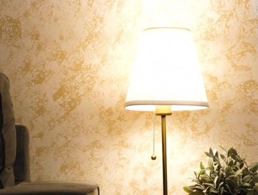 Decorare una parete con la spugna, da 5-Minute Craft
