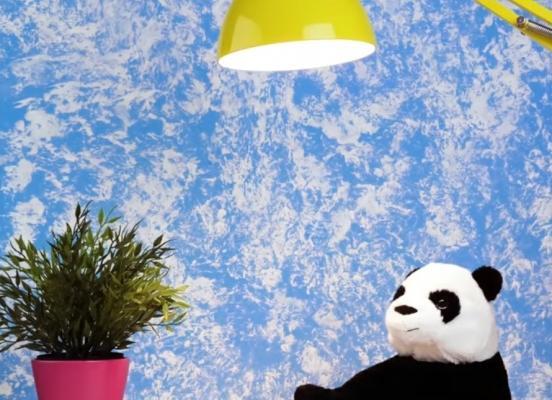 Decorazioni pareti effetto cielo: usate una busta di plastica per realizzare le nuvole, da 5-Minute Craft