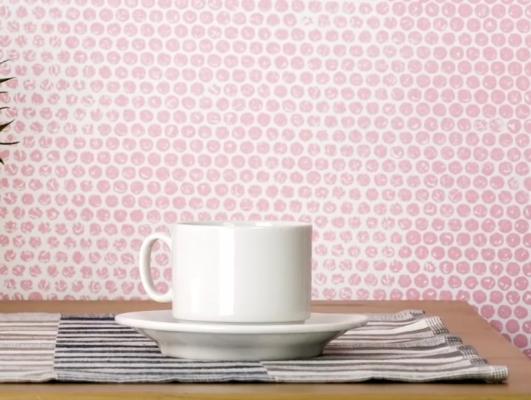 Decorazioni pareti a pois con il pluriball, da 5-Minute Craft