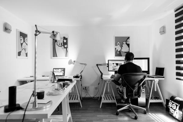 Arredare uno studio in casa richiede la giusta attenzione per garantire il massimo comfort