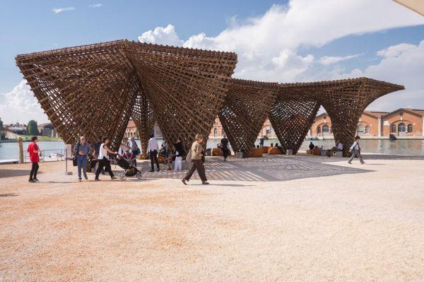 Il padiglione Bamboo Stalactite alla XVI Biennale di Venezia