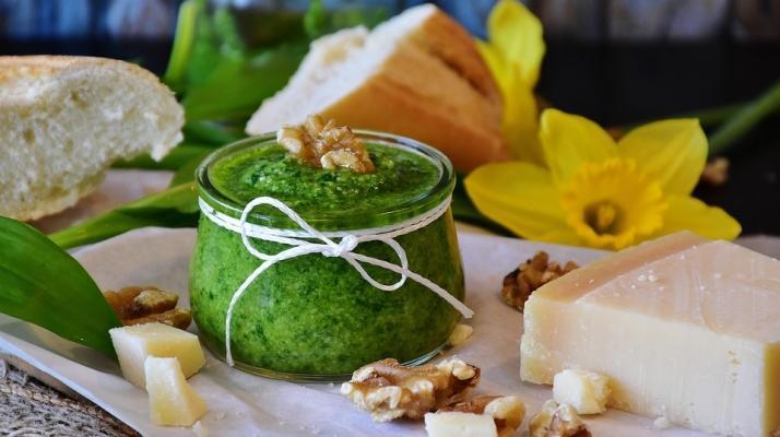 L'aglio, un ingrediente imporntante del pesto genovese