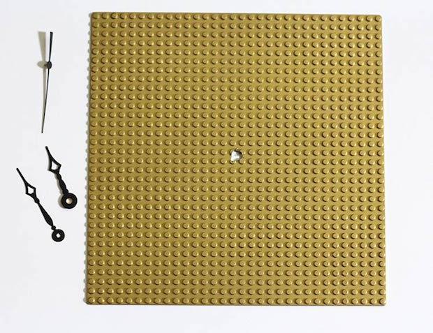 Orologi creativi con le Lego: parte 2, da ournerdhome.com