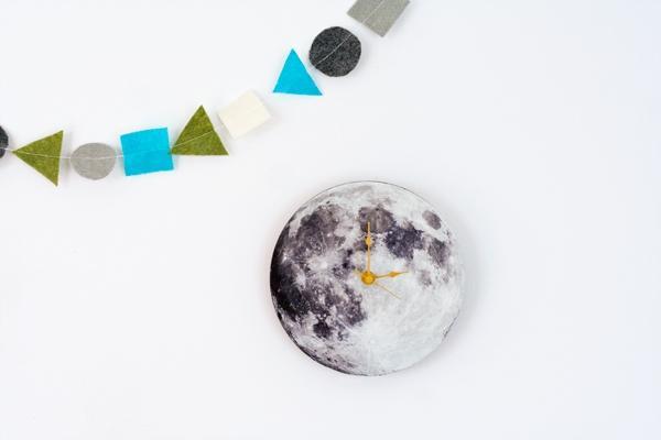 Orologio fai te di ispirazione lunare, da hellobee.com