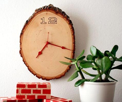 Orologio con tronco d'albero, da designsponge.com