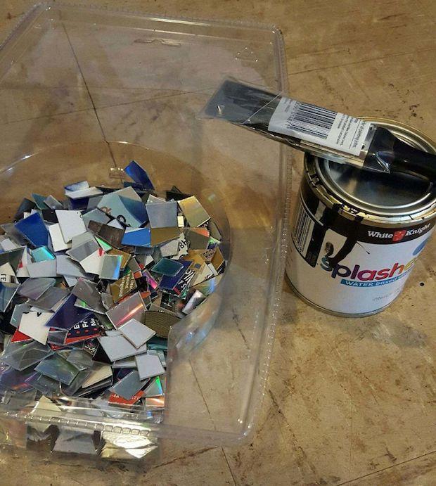 Riciclo creativo vecchi cd: mosaico per il tavolo, parte 1, da instructables.com