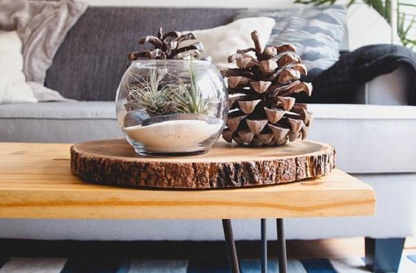 Un centrotavola realizzato con un tronco d'albero