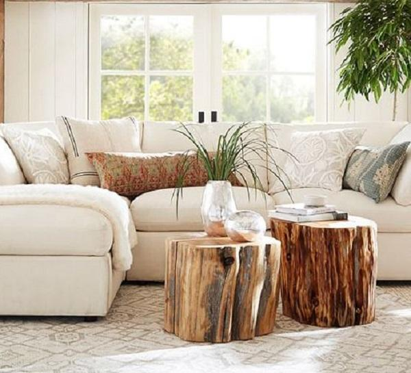 I ceppi di legno diventano pratici tavolini, da canadianloghomes.com