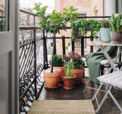 Vivere il balcone anche in inverno, da jurnaldedesigninterior.com