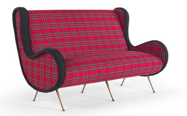 Il divano tartan per un fascino senza tempo, da Gianfranco Ferrè Home