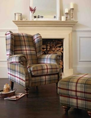 Il tartan riveste le sedute, da argos.co.uk