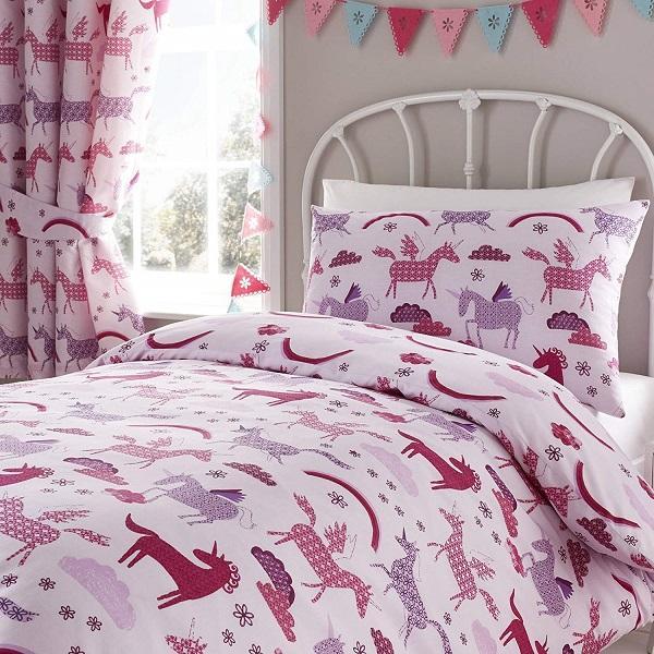 Tende e tessile letto abbinati, da Happy Linen Co