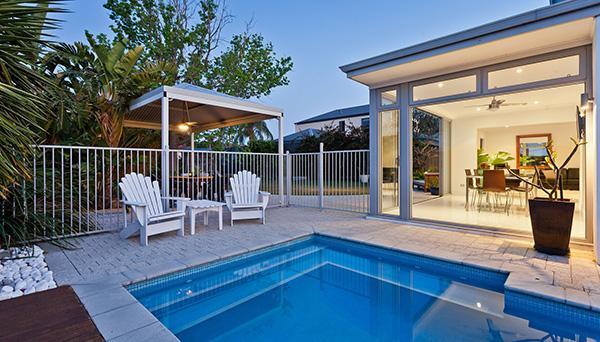 Le piscine interrate derogano le distanze minime previste dalla legge       ivile
