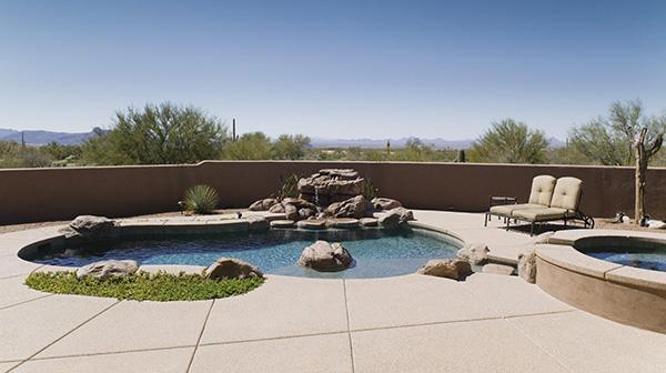 Una piscina interrata deroga le distanze minime stabilite tra edifici