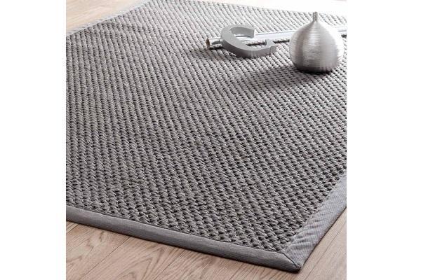 Dettaglio del tappeto in sisal Bastide Maisons Du Monde