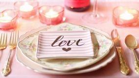 Decorazioni creative in tavola per la cena di San Valentino
