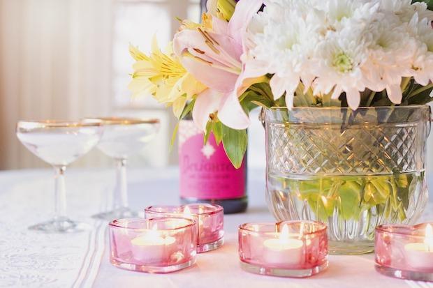 Bastano delle candele per creare la giusta atmosfera per la cena San Valentino