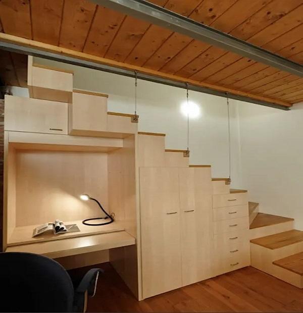 Complemento d'arredo con vano progettato da Studio architettura Matteo Calvi