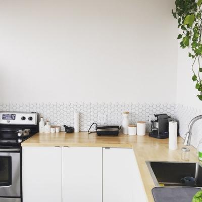 Cementine bianche classiche per la cucina