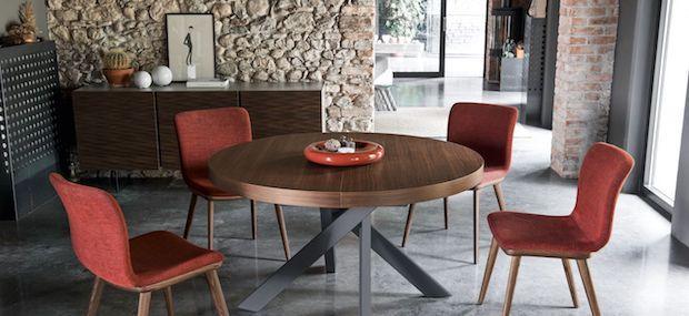 Tavoli allungabili rotondi: tavolo chiuso, da Calligaris