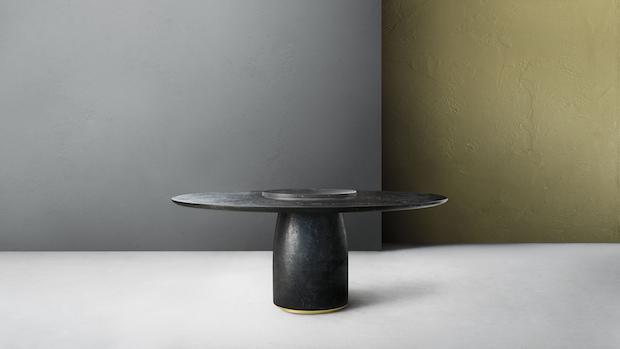 Tavolo rotondo in marmo nero ricostruito, da Lema