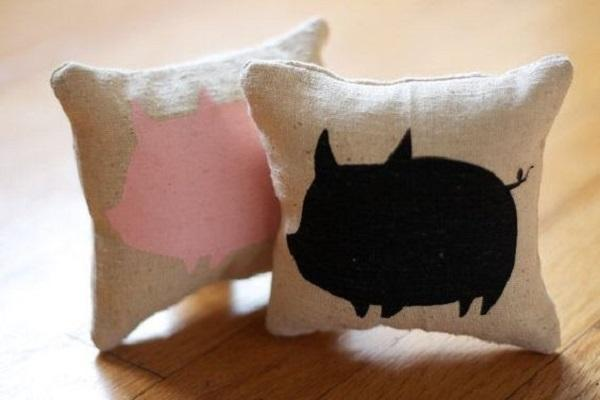 Cuscini stampa maiale, da Etsy