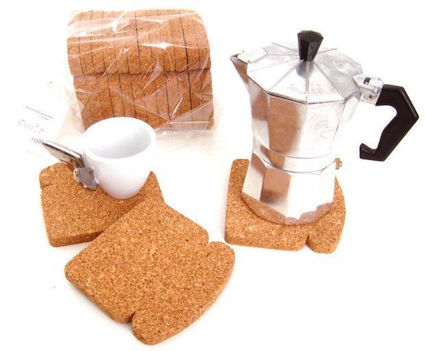 I sottobicchieri a forma di toast sono un must del Food design