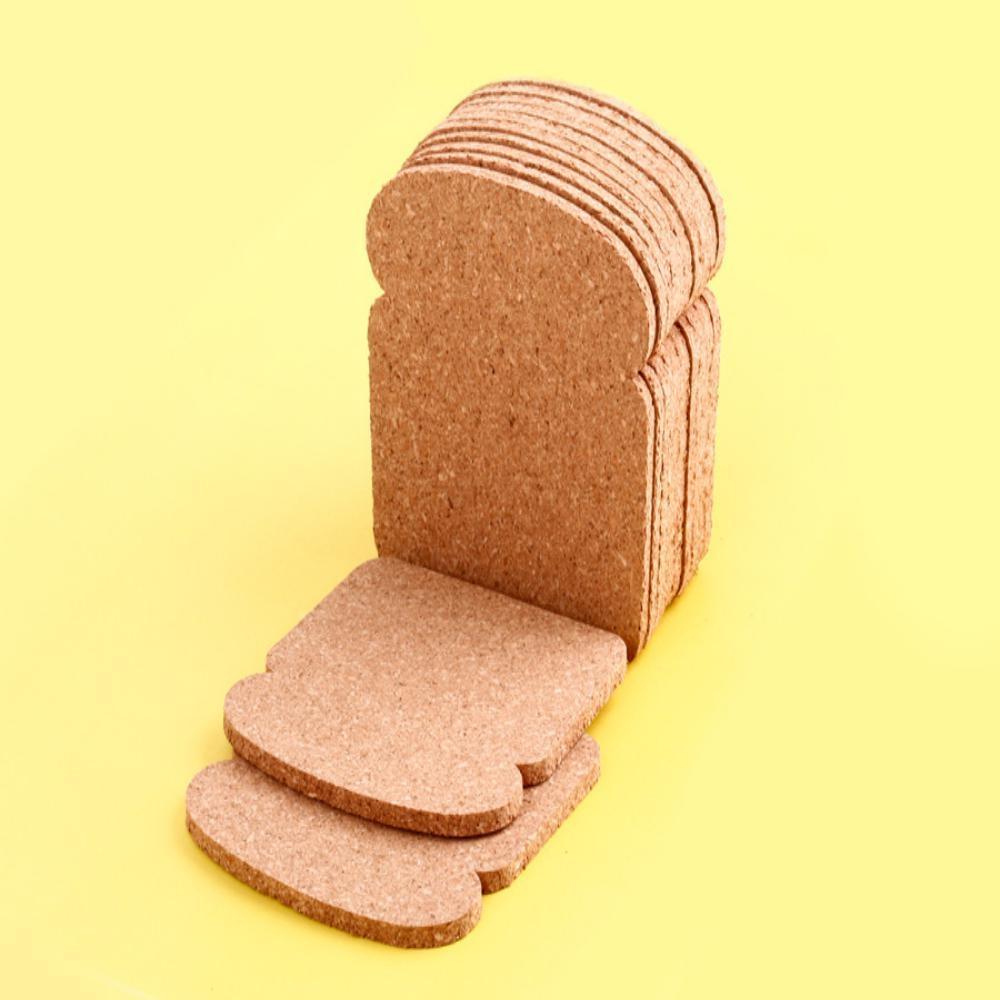 Food design: sottobicchieri a forma di pane in cassetta, da Patricia Naves