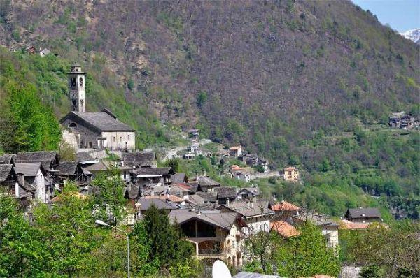 Borgomezzavalle, altro comune con case a un euro