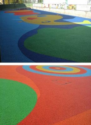 Cortili con decorazioni in asfalto colorato, by RAS