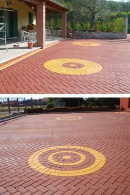 Pavimentazione in asfalto colorato e stampato a imitazione di autobloccanti, by RAS