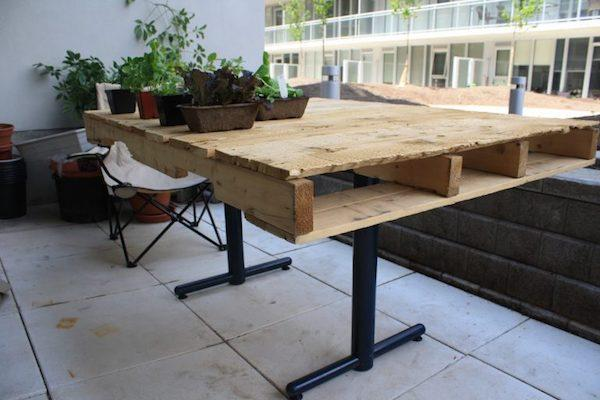 Riciclo creativo con i pallet: tavolo