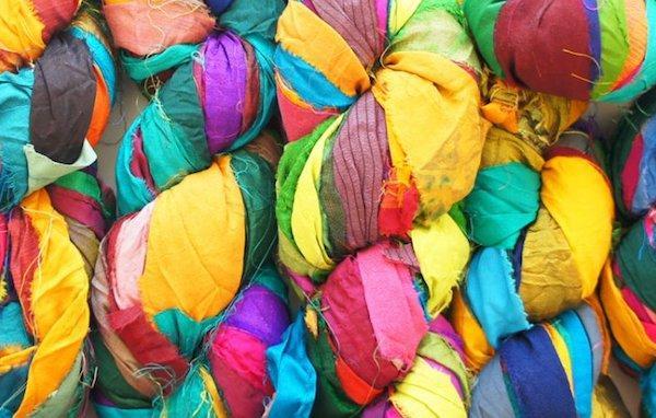 Arredare con il riciclo creativo: la stoffa utilizzata da Web Rure per le sedute ecosostenibili