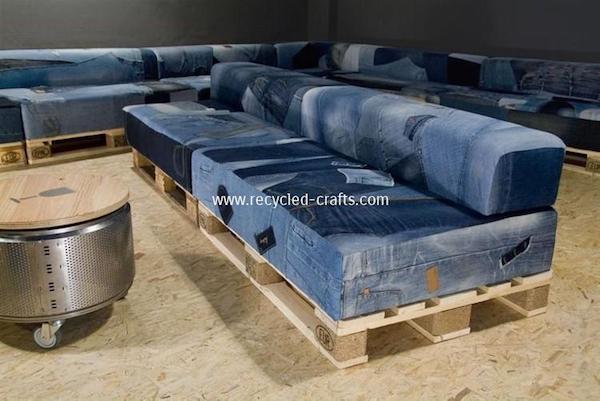 Riciclo creativo delle stoffe: divano denim