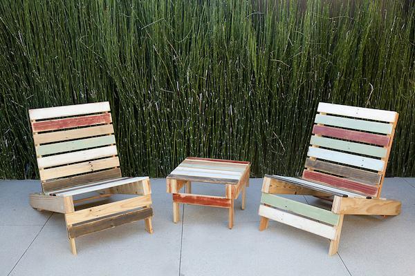 Riciclo creativo e design: tavolo e sedie realizzate con i pallet