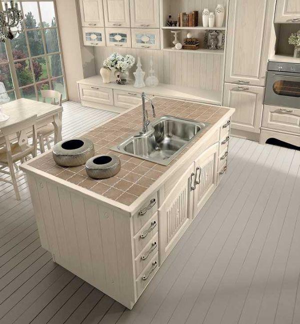 Cucina con bancone modello Veronica di Lube