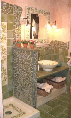 Bagno in pietra e opus incerto - Vietri Ceramic Design