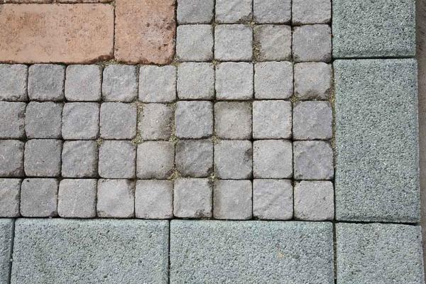 Pavimenti per esterni autobloccanti