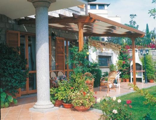 Pergolato in legno per terrazzo - Aquilani