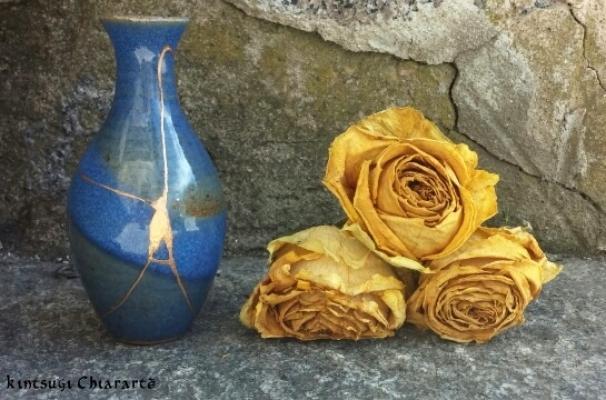 Restauro ceramica con il Kintsugi di Chiara Lorenzetti