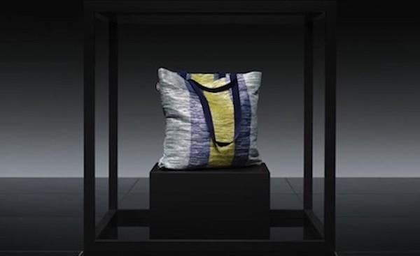 Nuova collezione IKEA ÖVERALLT: borsa FRAKTA by Studio Reform
