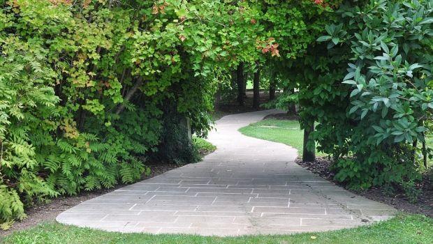 Come posare i pavimenti per esterni con il fai da te