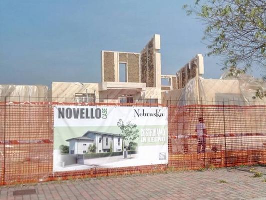 Costruzione di una casa ecologica di paglia by Novellocase