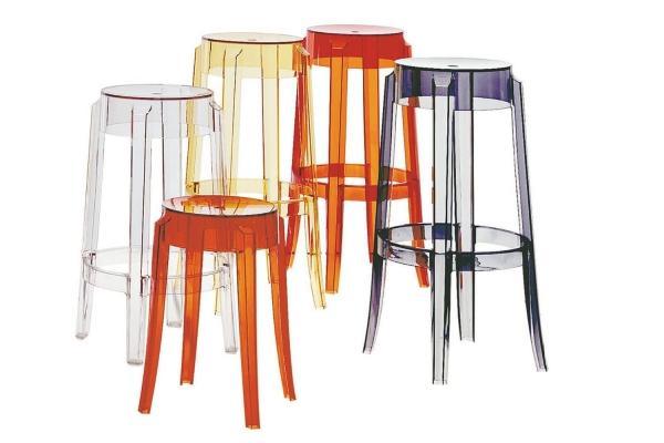 Sgabelli design per dare colore agli ambienti, da Kartell
