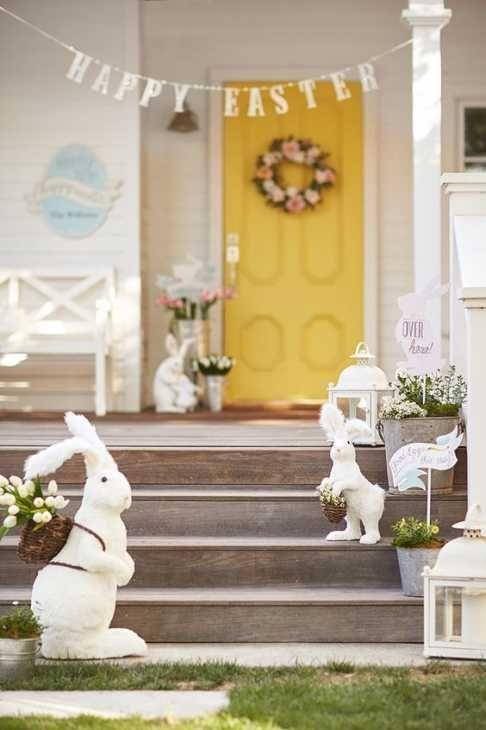 Addobbi per Pasqua nell'ingresso di casa